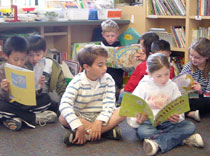 Students reading Ds books